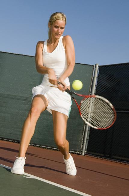 علل آرنج تنیس بازان
